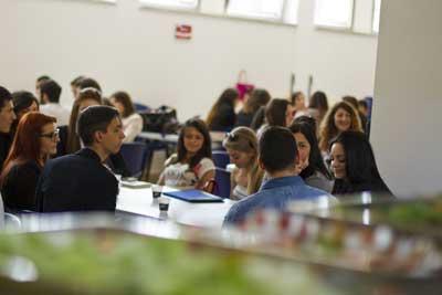 Mensa Università Niccolò Cusano. Ora si mangia in inglese
