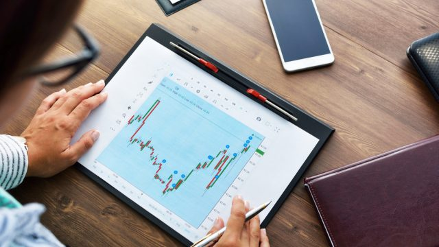 come diventare analista finanziario