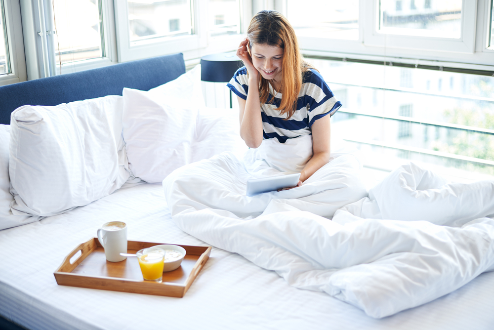 Come svegliarsi presto la mattina 8 consigli utili per alzarsi dal letto - Triangolo per alzarsi dal letto ...