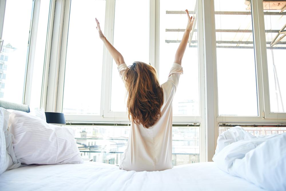 Come Alzarsi Dal Letto.Come Svegliarsi Presto La Mattina 8 Consigli Utili Per Alzarsi